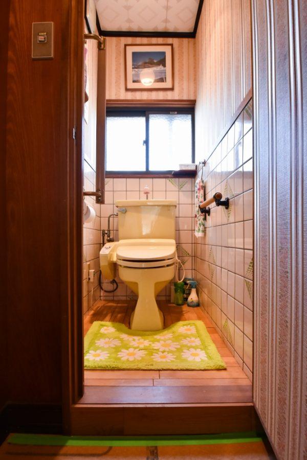 段差が無くなり収納できるトイレへ