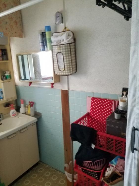 洗面台と洗濯機の向き移動して使いやすく
