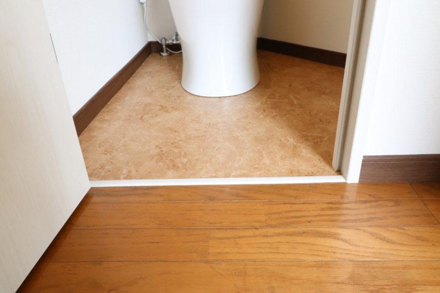 バリアフリーになり、明るいトイレへ