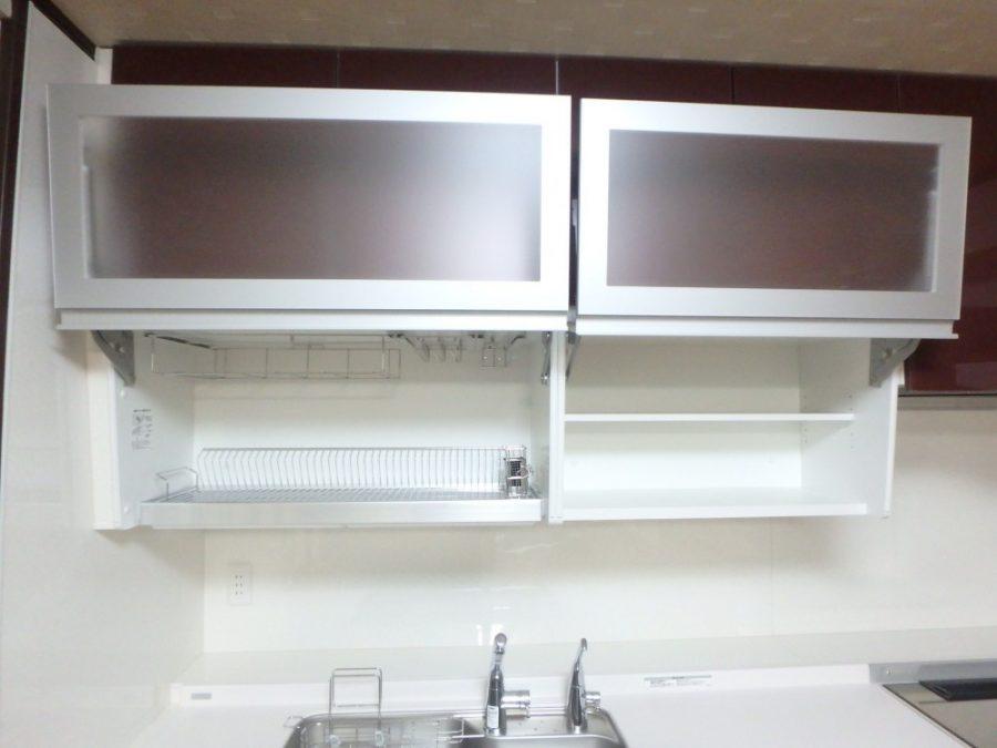 ボールド系のキッチンで見栄えも素敵!<br>ドレスアップウォールで収納力もUP!