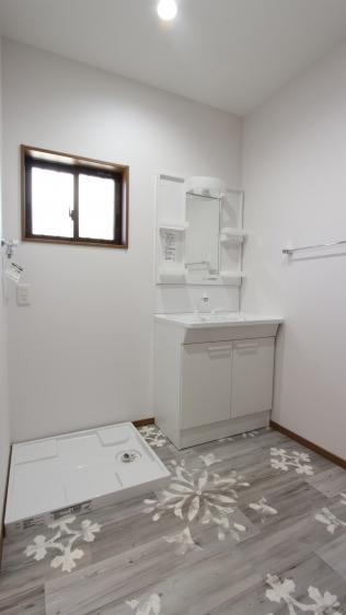 洗面所も広く増築