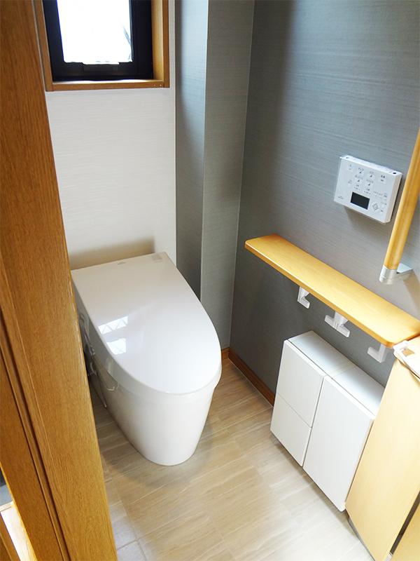 【トイレ】超節水タンクレストイレを採用