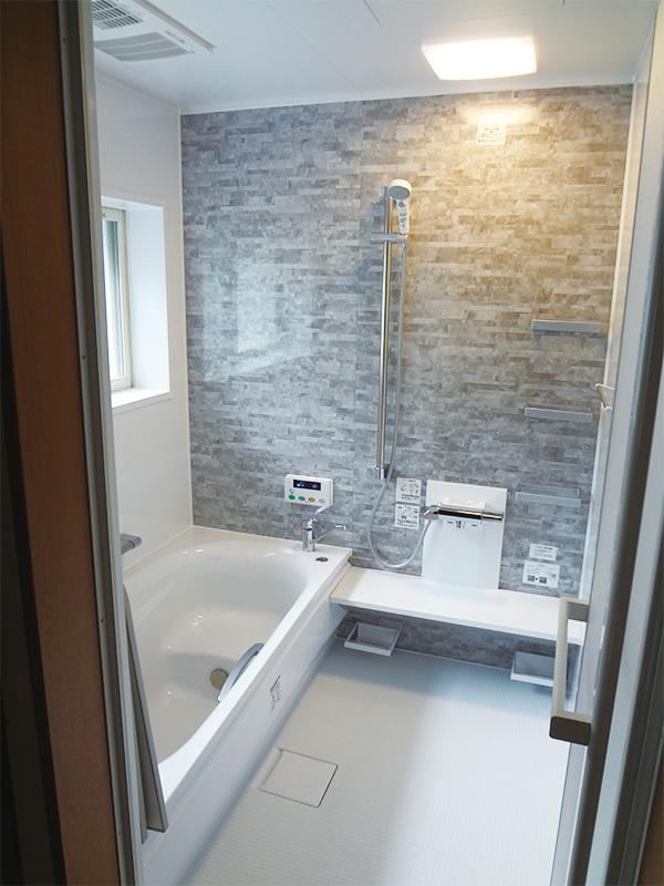 【浴室】暖房換気扇採用で暖かい浴室へ