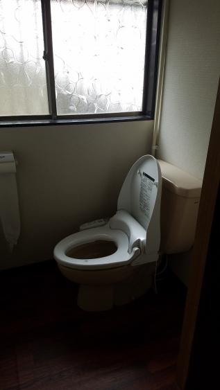 トイレ間取り変更,シックなデザイン