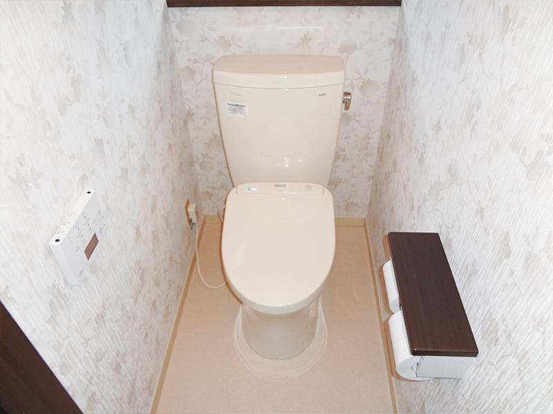 【トイレ】クロス・床材も貼り替えて、気分も新しく
