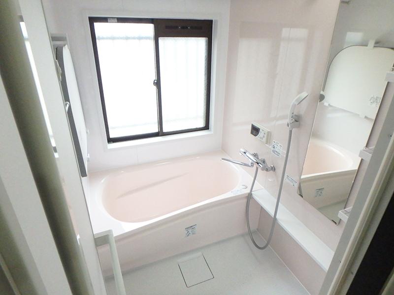 【浴室】お湯の冷めにくい浴槽で使いやすくなりました。
