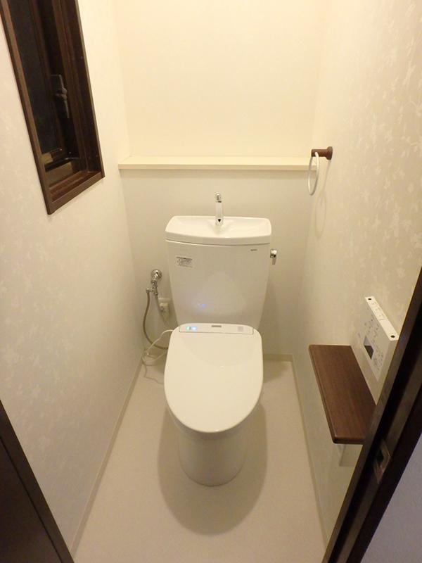 【トイレ】節水型便器とアプリコットの組み合わせで、お手入れしやすいエコなトイレに。