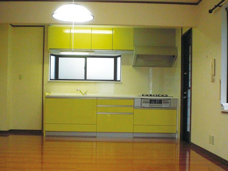 【キッチン】おしゃれなカラーで使い勝手の良いヤマハのキッチン。