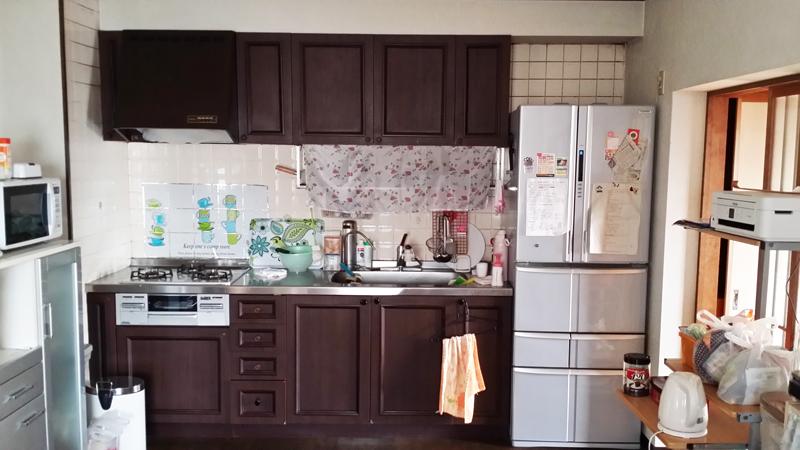 【キッチン】人造大理石でオシャレなカラー。T様だけのオリジナリティ溢れるキッチンに。