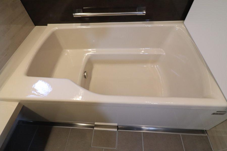 鋳物ホーロー浴槽はタカラだけ