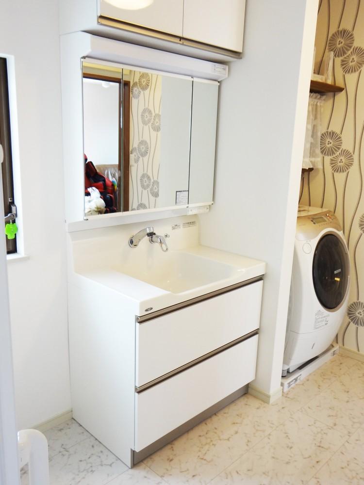 【洗面所】広々とした空間で、使いやすくなりました。