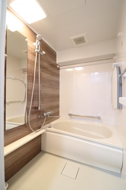 高断熱浴槽のバスルーム
