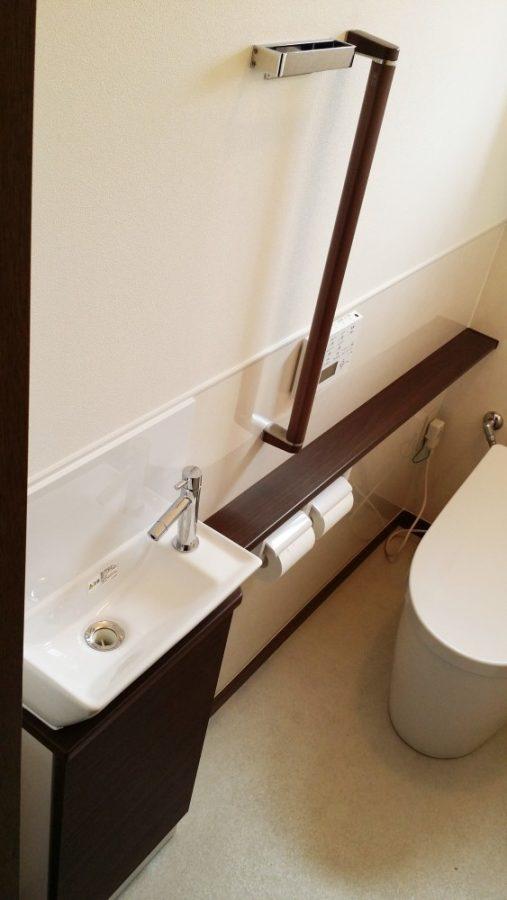 【手洗い場】手洗いも交換、落ち着いたカラーでまとまっています