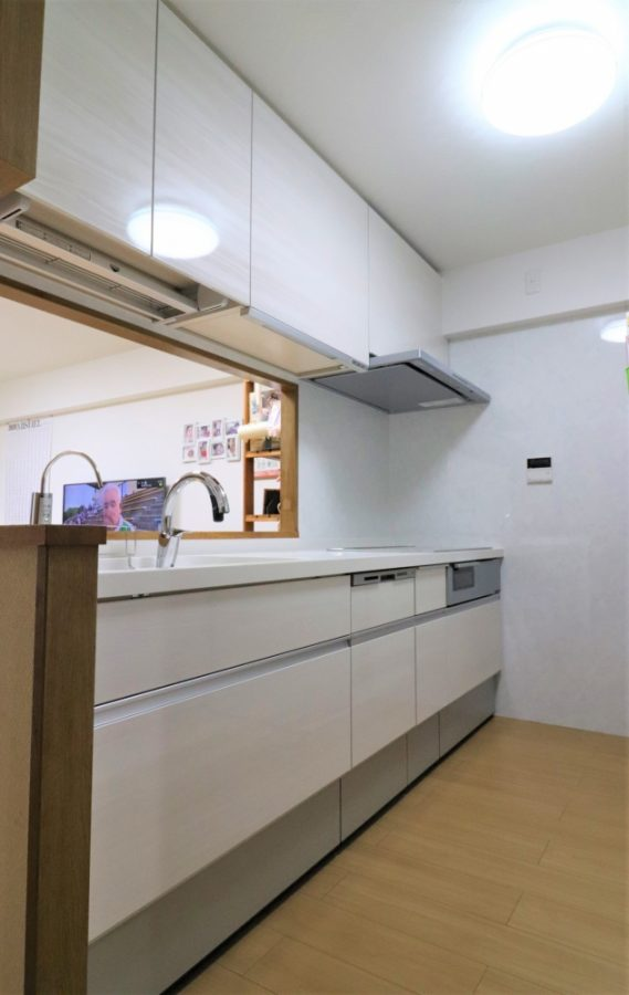 食洗器やIH、電動昇降やタッチレス水栓などハイスペックなキッチン