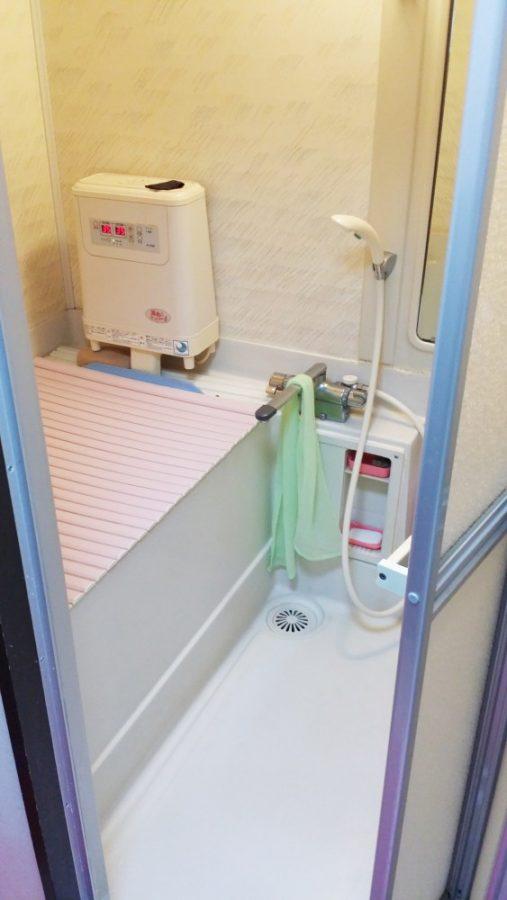 【浴室】高断熱浴槽を設置して温くなる浴槽を解消。
