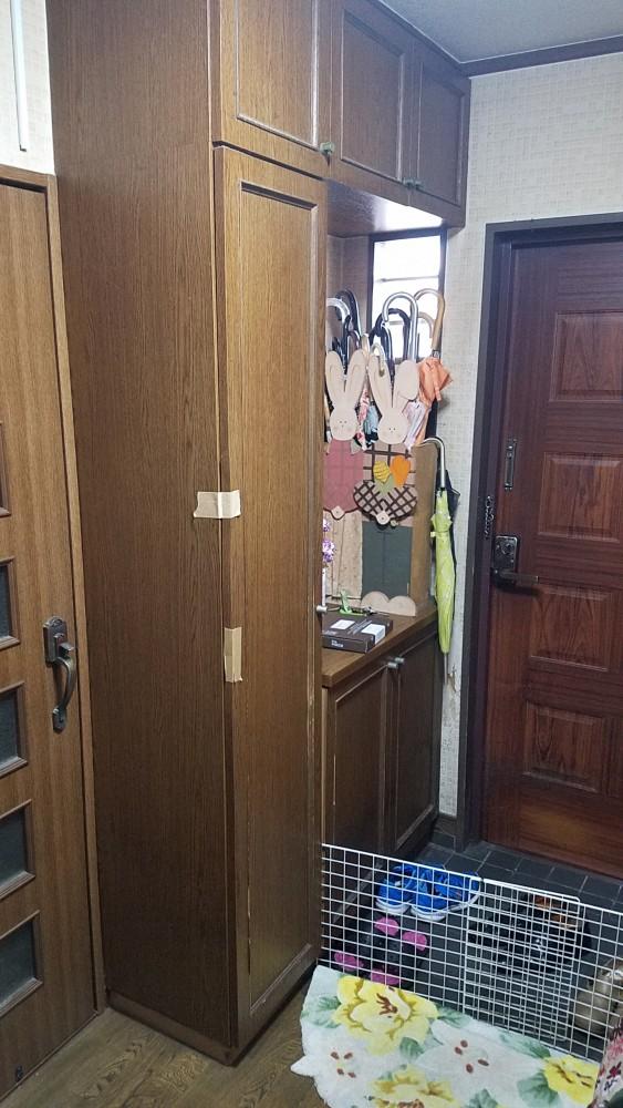 【玄関内装】下駄箱やクロスを一新することで気持よく過ごせる空間に
