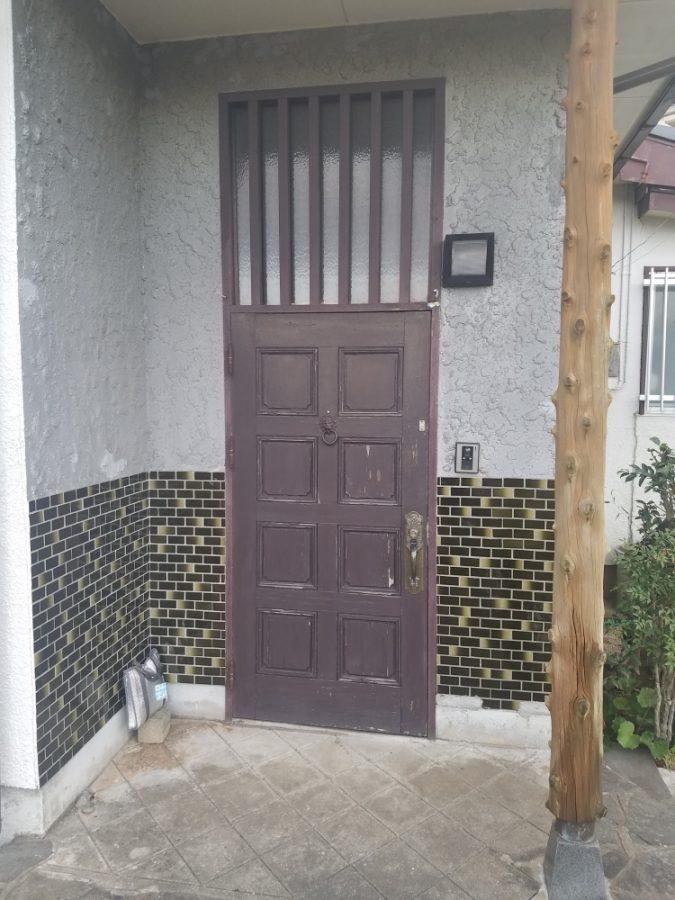 木製ドアからアルミドアに交換