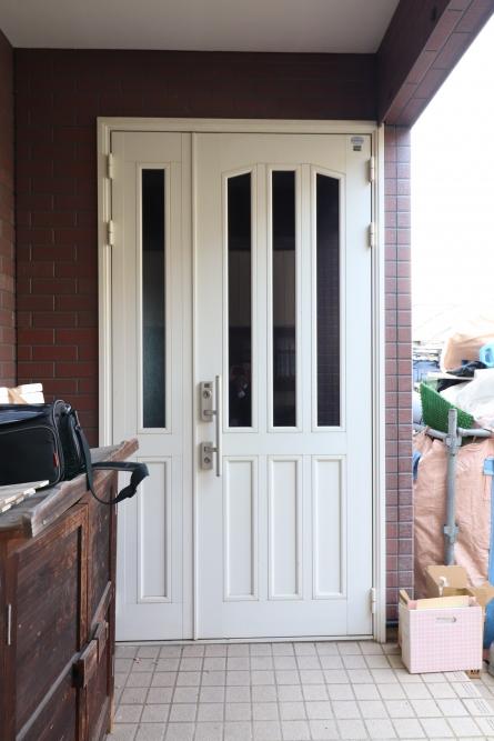 1日でリフォーム出来るLIXIL玄関ドア