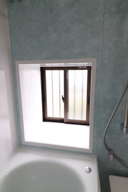 出窓空間は残して断熱サッシに交換