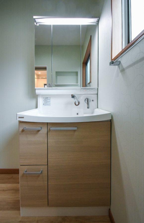 洗面台はクリナップのファンシオ