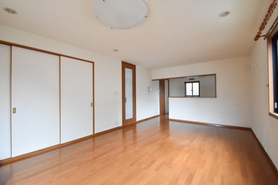 床と建具の相性も素敵