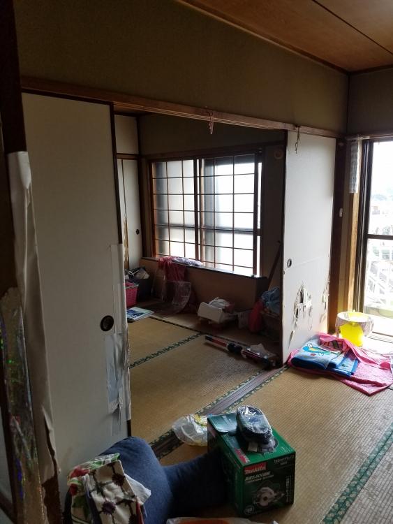 LDKと横和室との間の襖は撤去して開放的に