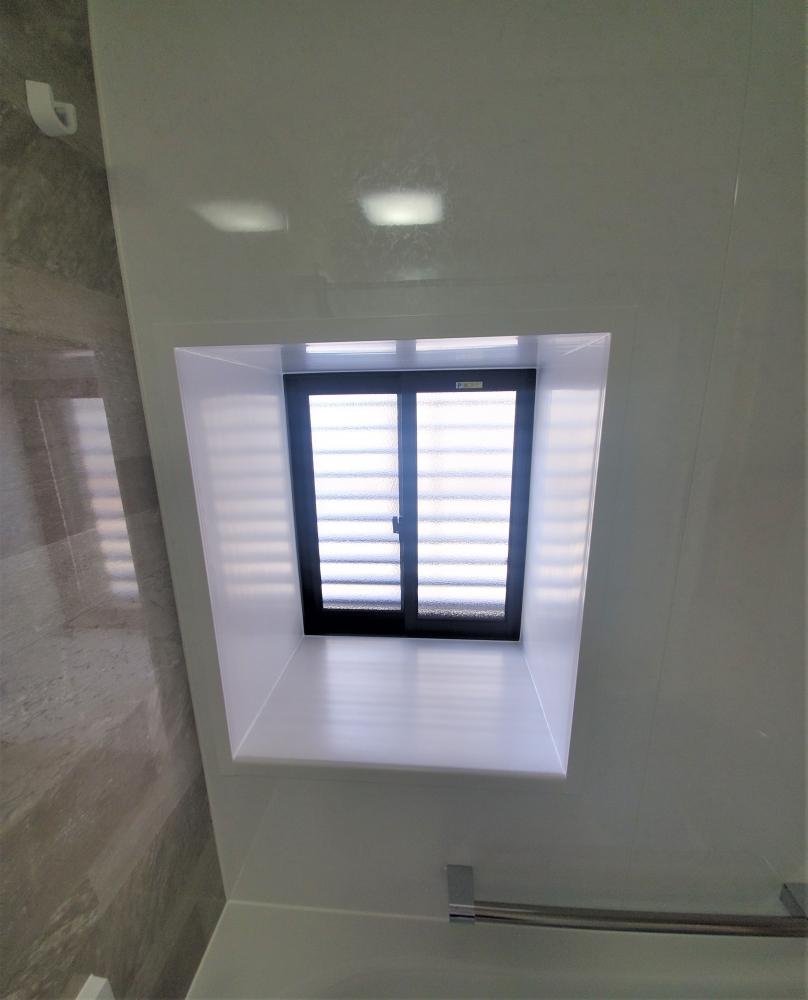 L型出窓を小さい出窓サッシへ