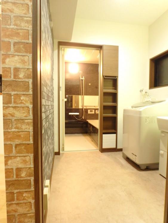 【洗面所】十分な広さを確保できました。収納を設けて収納力もUP!