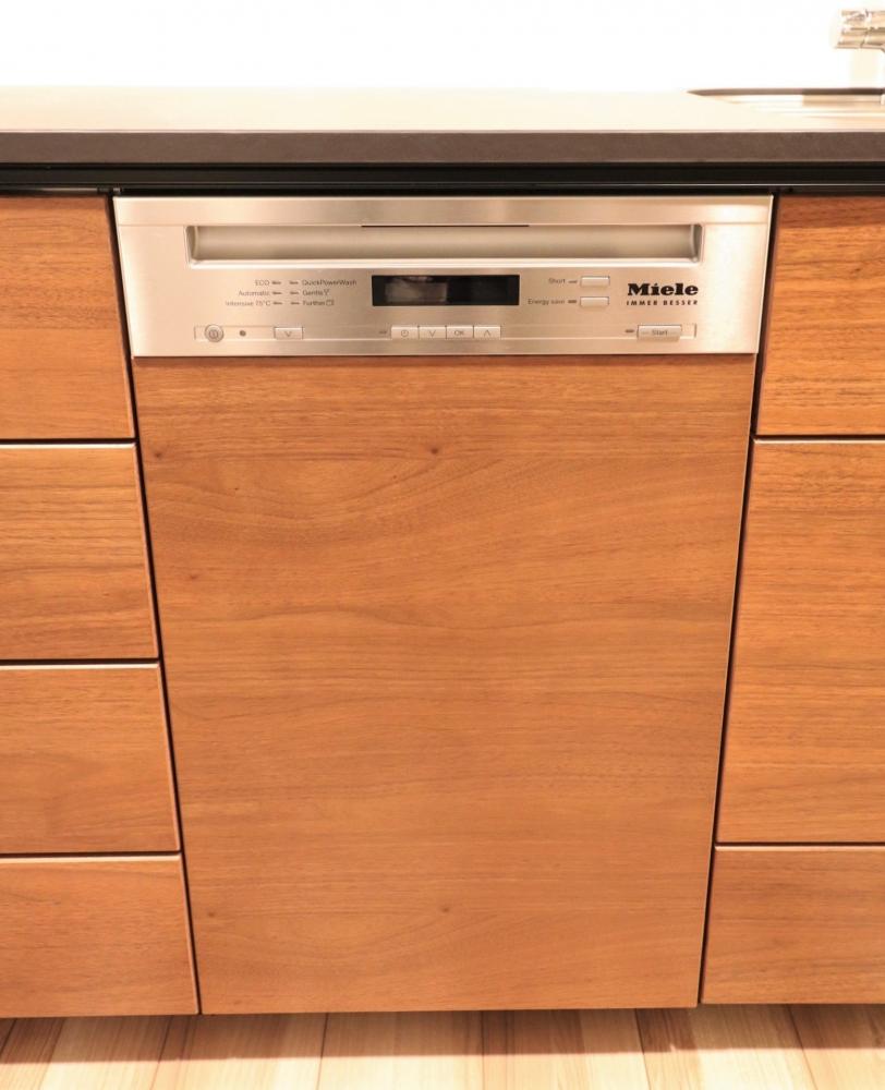 ミーレのフロントオープン食洗器