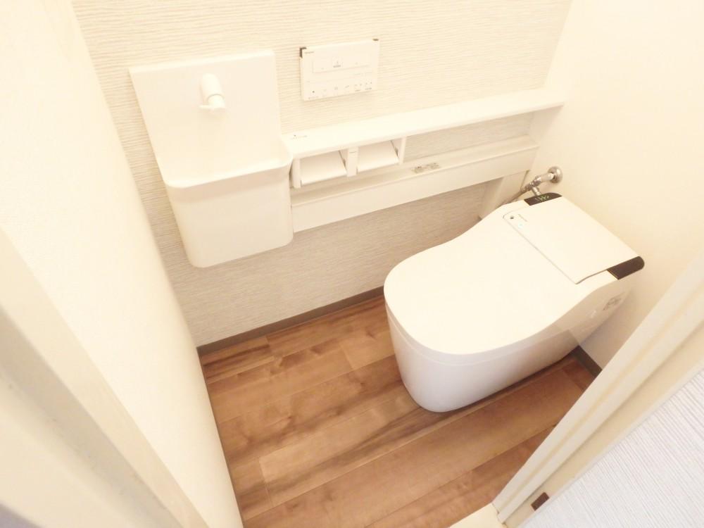 【トイレ】全自動おそうじ機能付きトイレでいつも清潔!