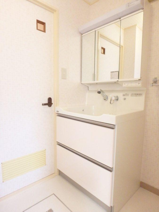 【洗面台】新しくして、清潔感のある空間に。
