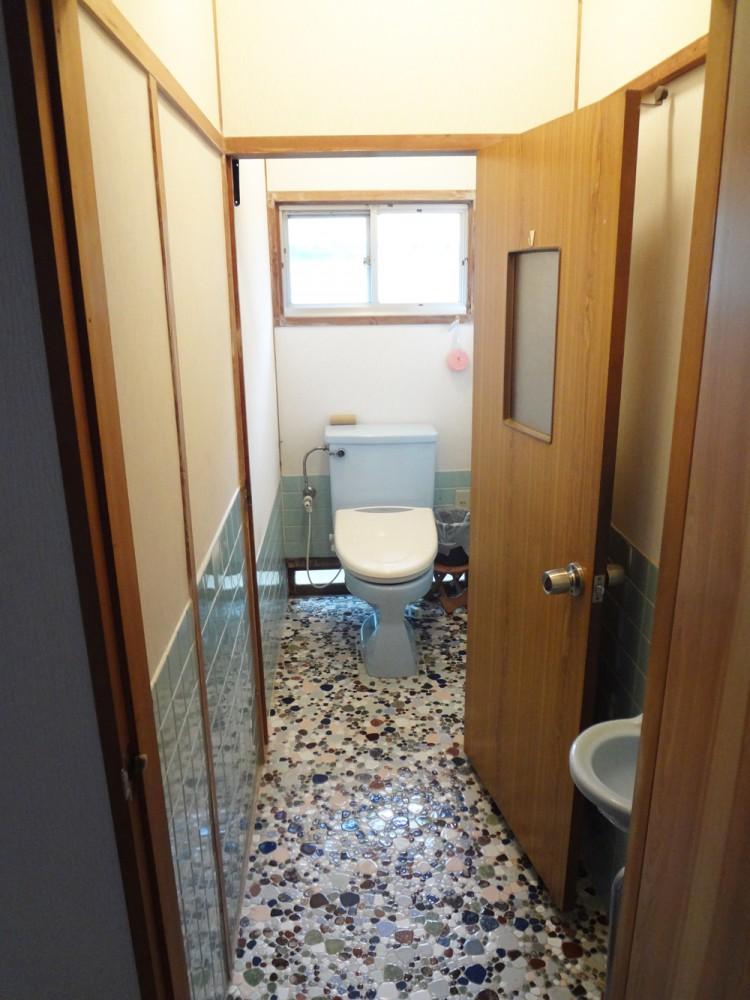 見た目も良く、お手入れのしやすいトイレになりました。
