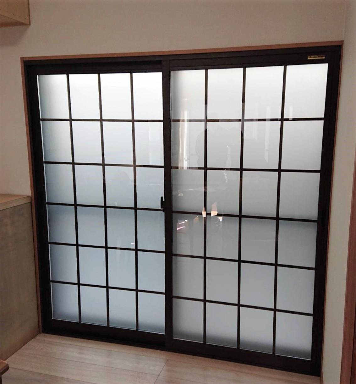 複層ガラスの格子デザイン