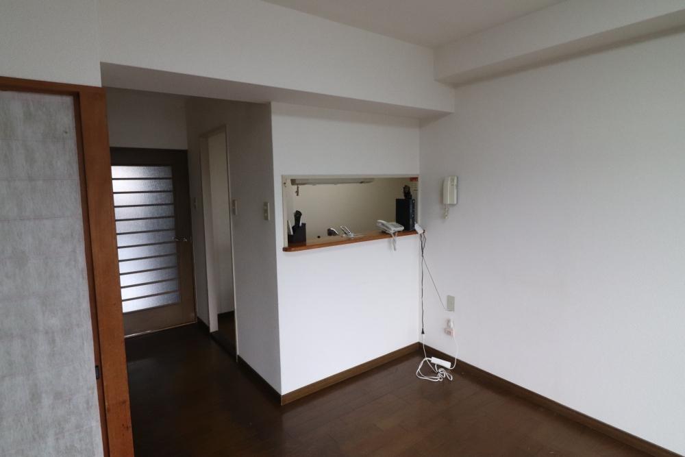 キッチン部の壁も取り外し開放的に