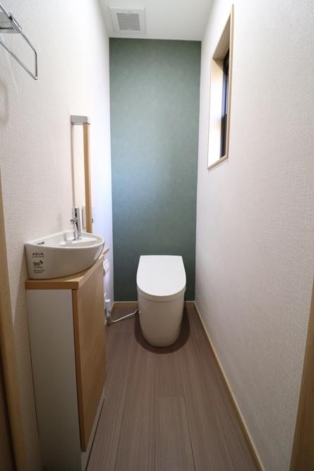 既存トイレも手洗器を別にスッキリ
