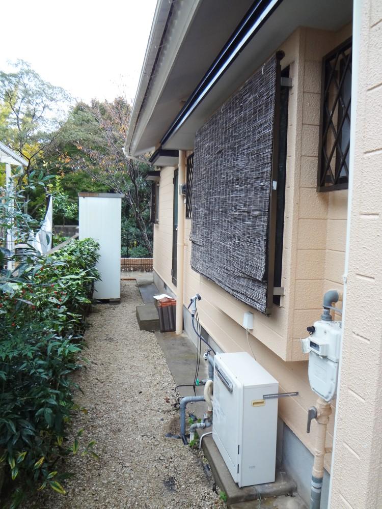 【屋外】洗面所・お風呂の増築部分は、外からはこのようになっています。