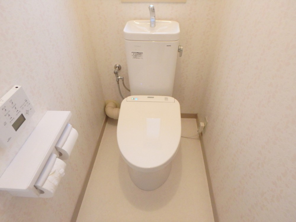 【トイレ】節水型便器にして、いつも清潔に。