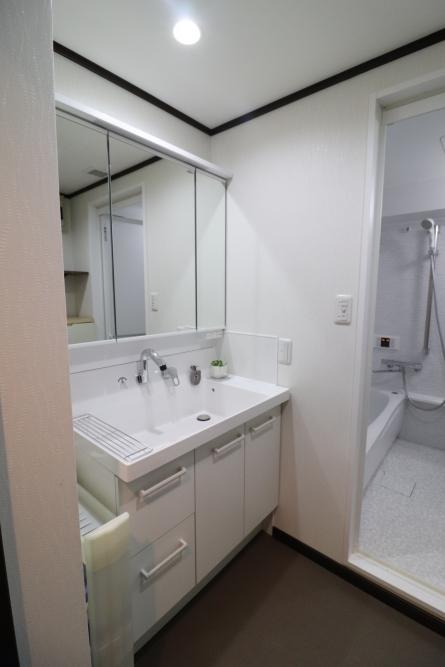 120cmの洗面台から90cmのボウルが広い洗面台へ