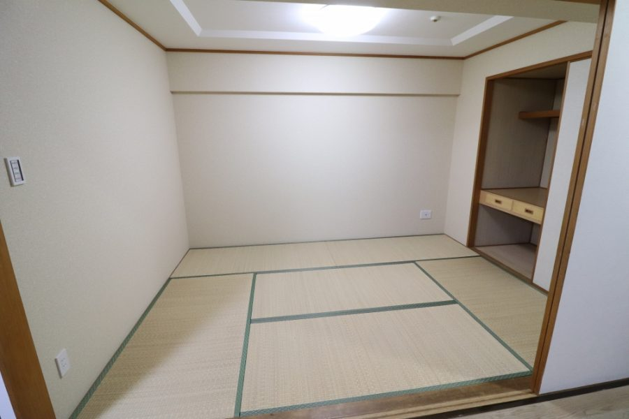 特殊クロスや琉球畳の組み合わせ