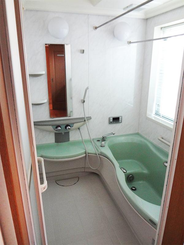 【浴室】梅雨や冬場でもカラッと気持ちのよい浴室