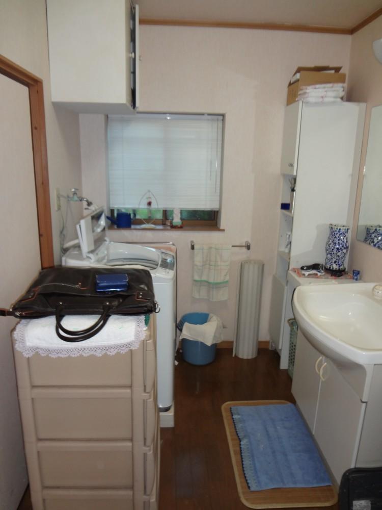 【洗面台】とても使いやすく、豪華な洗面台になりました。