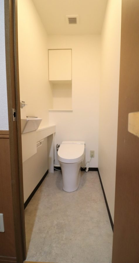 LIXILタンクレスサティスに手洗い器を別に設置しました