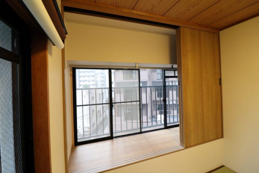 和室出窓を造作してクローゼットへ