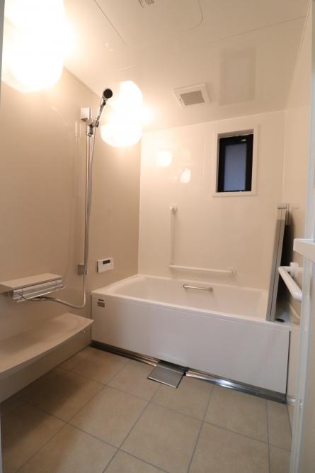 タカラスタンダードの伸びの美浴室を設置