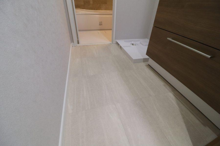 引き戸で床はクッションフロア仕上げ