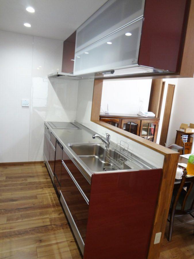 【台所】対面式にして、広々とした空間になりました!