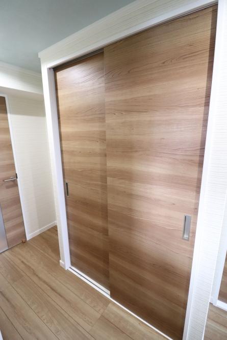 ドアもデザイン性良く