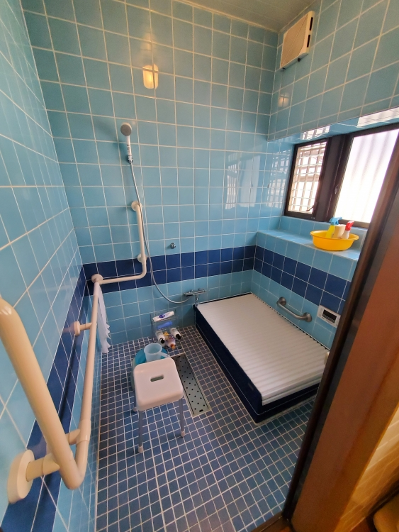 1616サイズの素敵なバスルーム