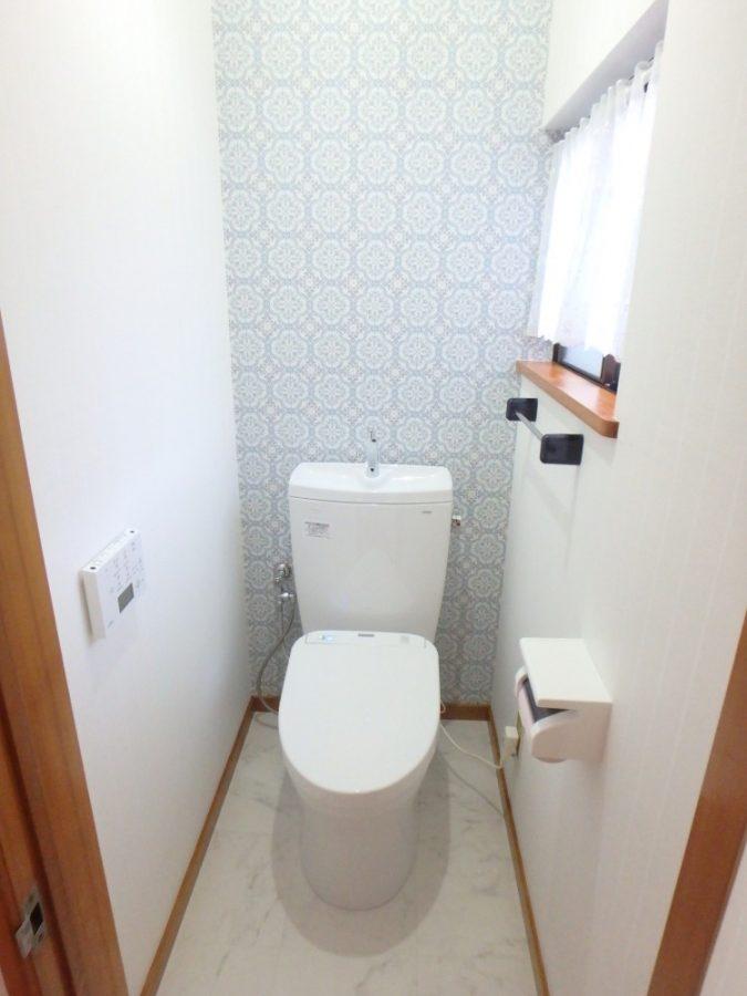 【トイレ】自動開閉や洗浄付きで、とても快適♪