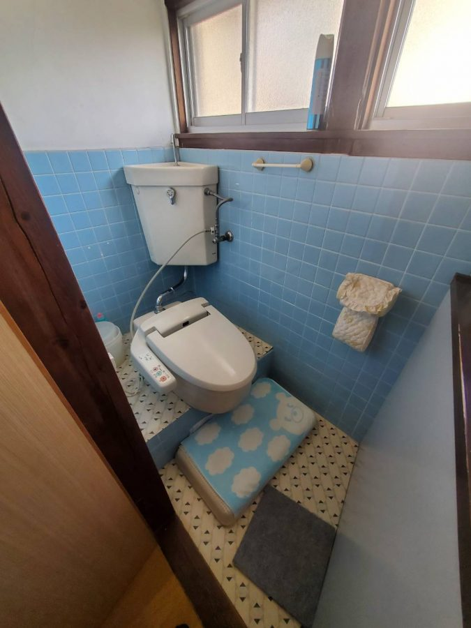 和式の床や壁もスケルトンにして洋風トイレへ